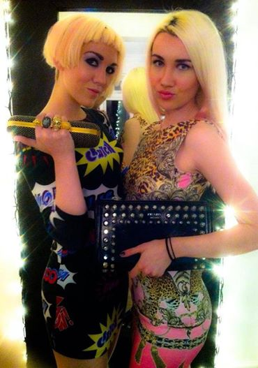 BLONDE ELECTRA wear ELITE COUTURE bags
